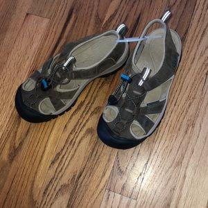 Keen Waterproof Sandals sz 6.5 NWOT
